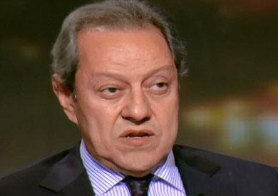 الدكتور منير فخرى عبد النور - وزير الدولة لشؤون الصناعة والتجارة