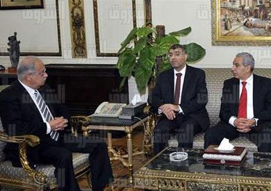 رئيس الوزراء يستقبل وزير الصناعة العراقى تصوير سليمان العطيفى