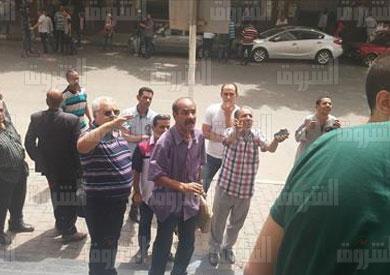 مواطنون يعتدون بالسب على الصحفيين المعتصمين بالنقابة
