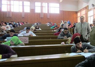 انطلاق ماراثون امتحانات «الترم الأول» بالجامعات -