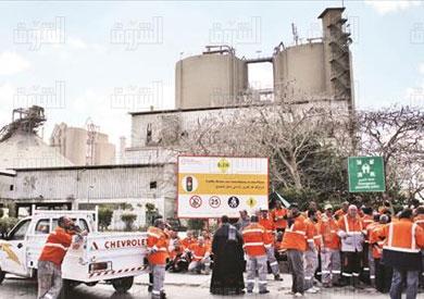 طره الاسمنت - اعتصام العمال - مصنع الاسمنت تصوير احمد عبد الجواد