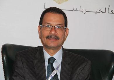 «اقتصادية القناة» تبدأ التفاوض مع تحالف يابانى فرنسى لإدارة رصيف تداول السيارات شرق بورسعيد