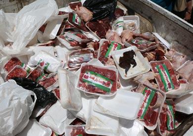 اعدام اغذية فاسدة - ارشيفية