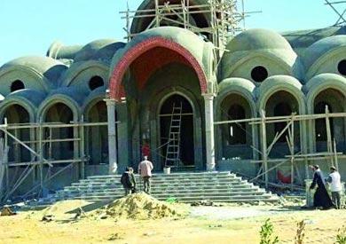 بناء الكنائس