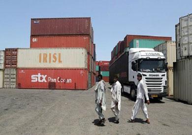 بحلول 2012، أوقفت الشركات الأمريكية وفروعها الدولية العمل في إيران عقب تصاعد التوترات بين طهران وواشنطن