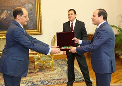 رئيس الجمهورية يكرم اللواء محمد فريد التهامى رئيس جهاز المخابرات العامة سابقا