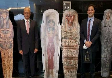 سفير مصر باليابان يزور معرضا للآثار