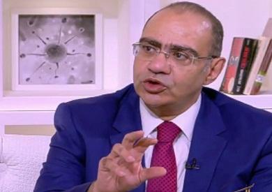 الدكتور حسام حسني، رئيس اللجنة العلمية لمكافحة كورونا بوزارة الصحة