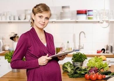 روشتة طبية بأهم النصائح الغذائية خلال فترة الحمل