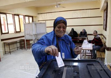 لجنة انتخابية - تصوير: احمد عبد الجواد