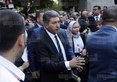 وزير الطيران يشارك في مسيرة لتأبين ضحايا الطائرة المصرية - تصوير: ابراهيم عزت