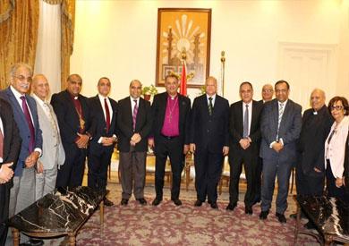 محافظ القاهرة يستقبل وفد الطائفة الإنجيلية