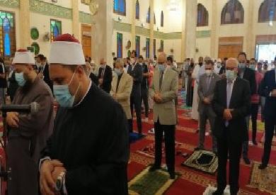محافظ بورسعيد يؤدى صلاة العيد