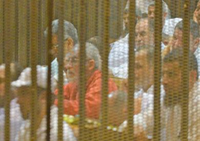 تأجيل محاكمة «بديع» و738 آخرين في «فض رابعة» لـ8 أبريل