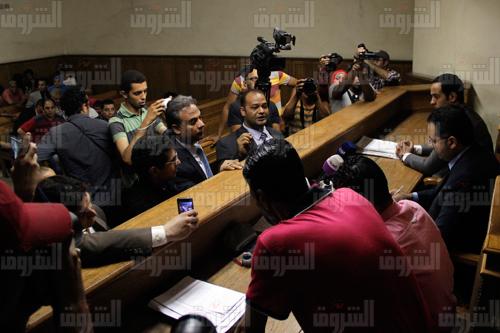 جانب من محاكمة رضا الفولي بطلة كليب «سيب ايدي» - تصوير: إبراهيم عزت