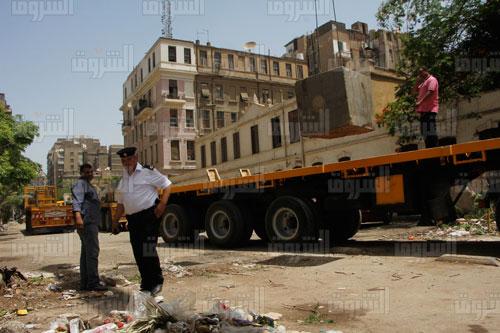 ازالة جدار شارع منصور - وزارة الداخلية تصوير  - احمد عبد الجواد