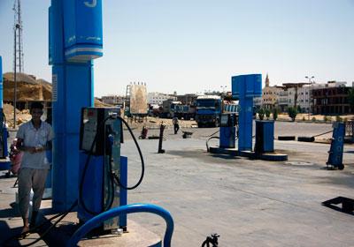 مصدر حكومي: أزمة وقود «طاحنة»