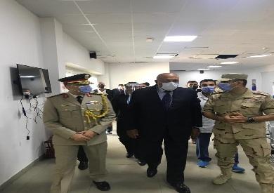 سامح شكري يزور المستشفى الميداني المصري في بيروت
