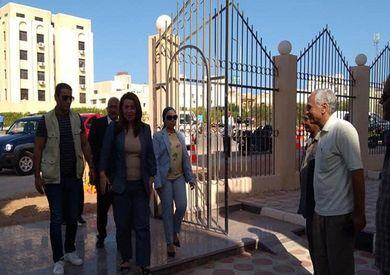 وزيرة التضامن الاجتماعي تتفقد مديرية البحر الأحمر