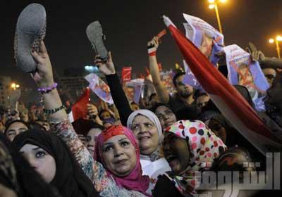 رد فعل ميدان التحرير على خطاب مرسى ليلة الأربعاء - تصوير:صبرى خالد