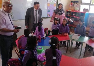 وكيل تعليم الإسكندرية يتفقد مدارس الإسكندرية