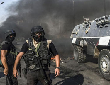 انفجار عبوة ناسفة أثناء مرور مدرعة بشارع البحر في العريش