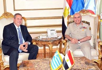 وزير الدفاع يبحث مع نظيره اليونانى التعاون العسكرى بين البلدين