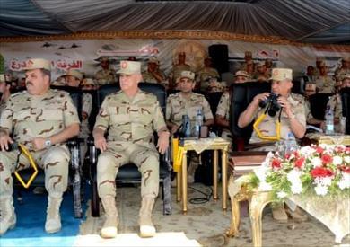 """وزير الدفاع يشهد المرحلة الرئيسية للمناورة """"رعد31 """" بالذخيرة الحية"""