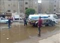 الدفع بسيارات شفط المياه من الشوارع