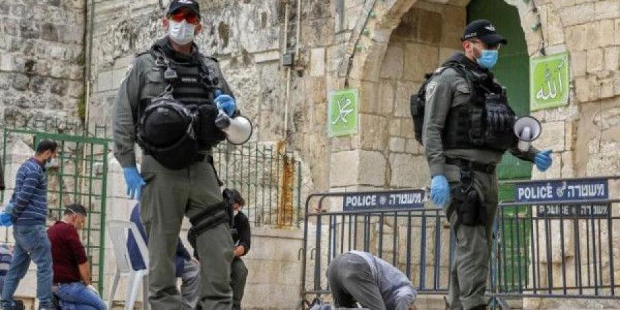 قوات الاحتلال الإسرائيلي تقتحم المسجد الأقصى وتغلق المصلى القبلي وتحتجز من بداخله