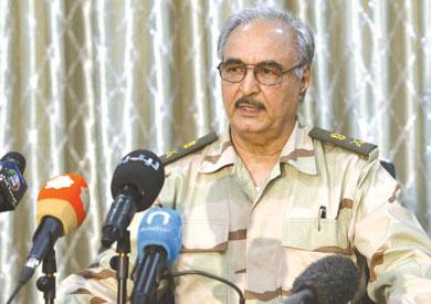 القائد السابق للقوات البرية الليبية اللواء خليفة حفتر