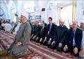 الرئيس السوري يؤدي صلاة عيد الفطر في وسط حماة