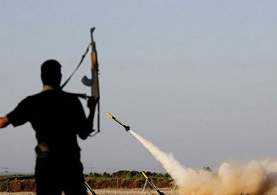 إطلاق أحد الصواريخ من غزة على إسرائيل-ارشيفية