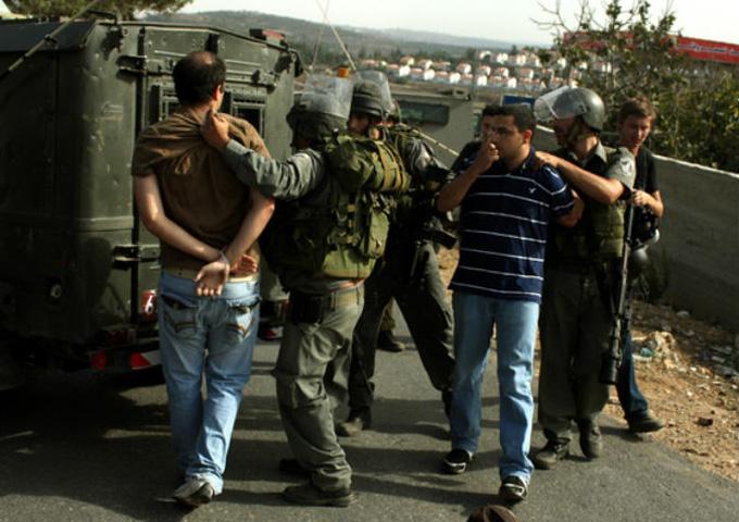 سلطات الاحتلال الإسرائيلي تعتقل 15 فلسطينيا بالضفة الغربية