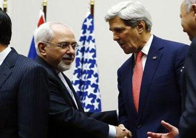 وزير الخارجية الأمريكي جون كيري ونظيره الإيراني جواد ظريف