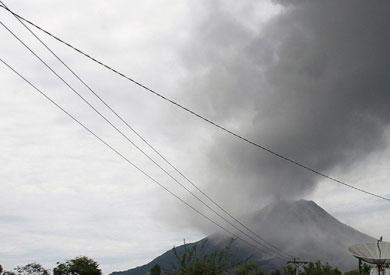 ثوران بركاني إتنا وسترومبولي في إيطاليا