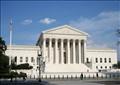 «العليا الأمريكية» قد تقرر مصير حظر سفر مواطني 6 دول مسلمة لأمريكا اليوم