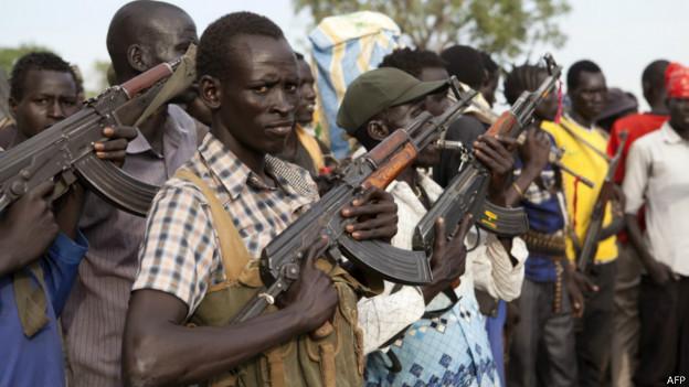 مسلحون مدنيون ضمن ما يعرف بالجيش الابيض