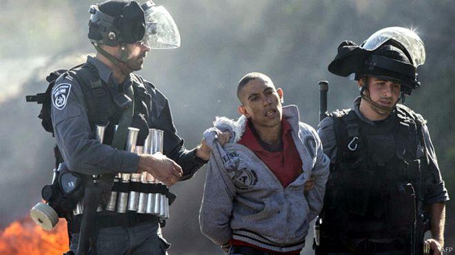 الحادث يتزامن مع تصاعد العنف بالقدس الشرقية المحتلة، الذي امتد إلى بلدات الفلسطينيين في إسرائيل، بعد مقتل فلسطيني داخل إسرائيل برصاص الشرطة الإسرائيلية