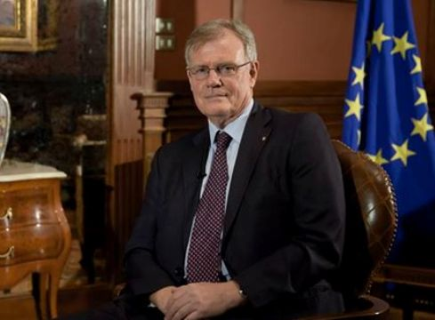 السفير جيمس موران رئيس وفد الاتحاد الأوروبي في مصر
