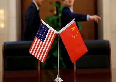 علم أمريكا والصين