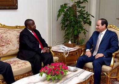السيسي ووزير أوغندا