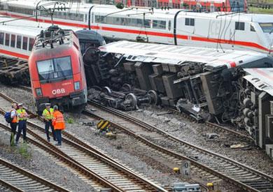 عدة قتلى و100 جريح إثر حادث تصادم قطارين في ألمانيا
