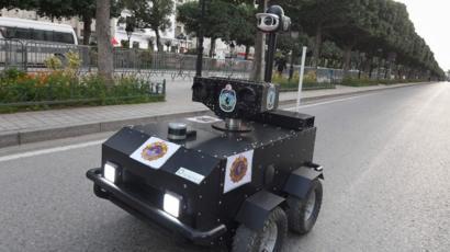 تونس تستخدم روبوتا في متابعة حظر التجول