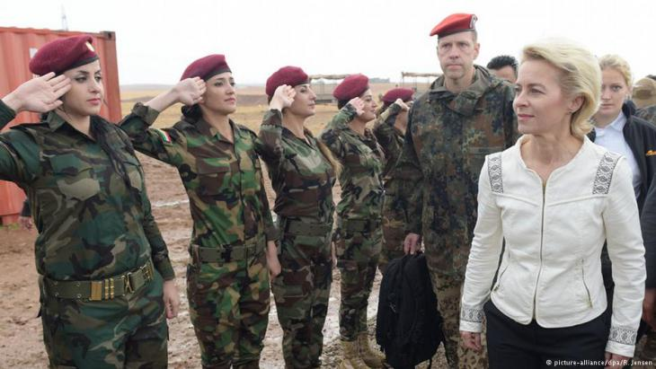 وزيرة الدفاع الألمانية انيجريت كرامب-كارنباور