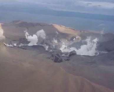 لقطات من الجو لبركان تال الثائر في الفلبين
