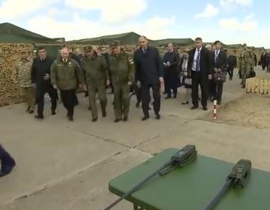 بوتين يحضر المرحلة النشطة من مناورات «سنتر-2019»