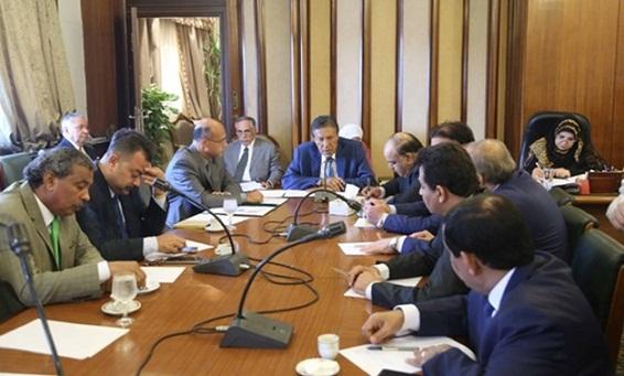 الشئون العربية بالنواب تشيد بجهود مصر الكبيرة لعودة الأمن والاستقرار في ليبيا - الشروق