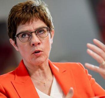 وزيرة الدفاع الالمانية، أنيجريت كرامب كارنباور - ارشيفية