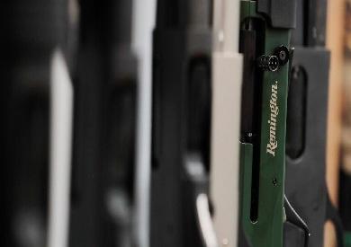 بندقيات من صناعة شركة رمينجتون الأمريكية